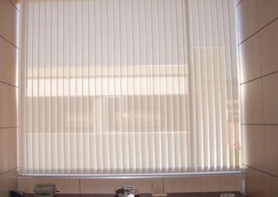 foto-cortina-vertical-lamas-1
