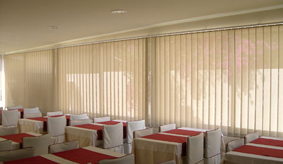 foto-cortina-vertical-lamas-2