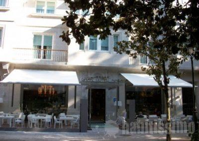 toldos-en-terraza-de-hotel_278065